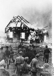 Litauen,_brennende_Synagoge